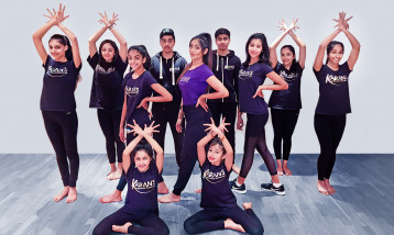 Bollywood Dance Class students and instructor